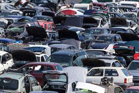 Części samochodowe ze szrotów – czy to ma sens?